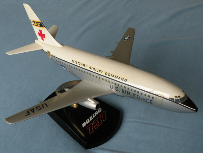 Vintage Topping Models USAF MAC Boeing 737 model