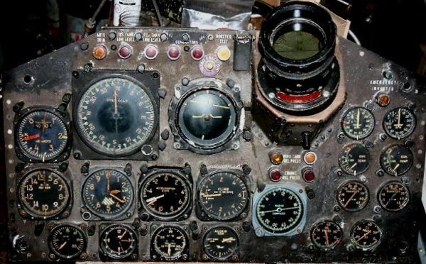 Andy's CF-100 Canuck instrument panel