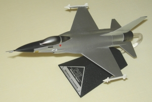 General Dynamics F-16 in silver livery