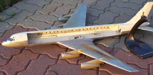 KLM cutaway DC-8, made by Raise-Up Metalworks